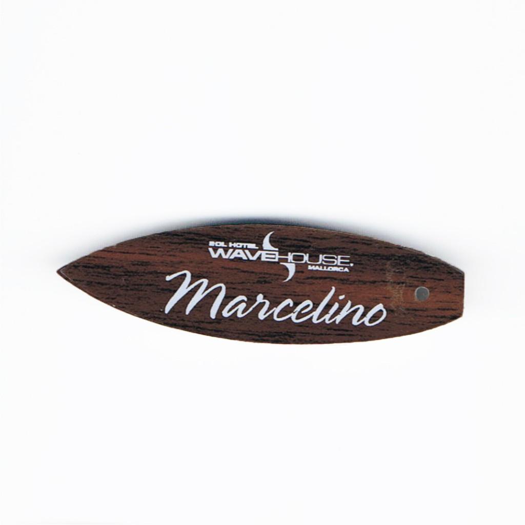 Chapa con forma de tabla de surf