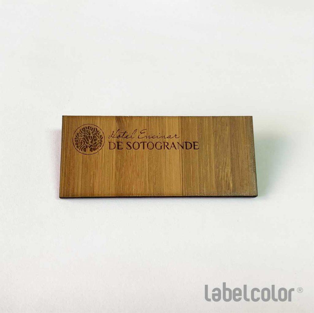 chapa de madera grabada